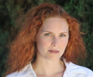 13.Woman_redhead_natural_portrait_1